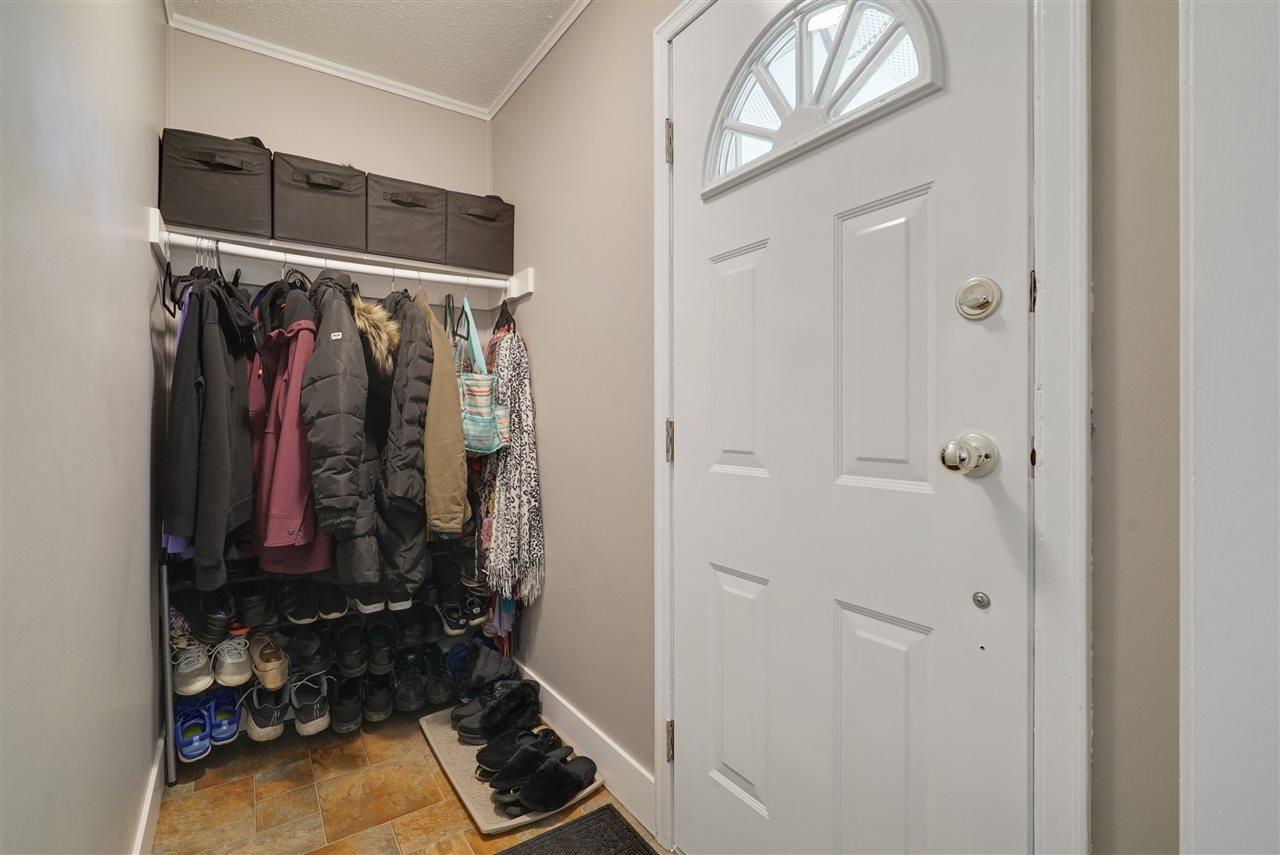 Photo 11: Photos: 12143 60 Street in Edmonton: Zone 06 House for sale : MLS®# E4164276