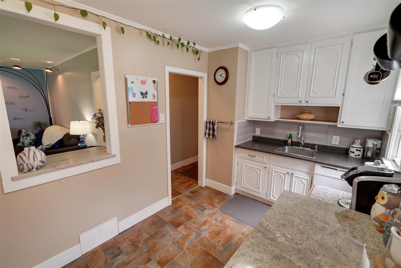 Photo 4: Photos: 12143 60 Street in Edmonton: Zone 06 House for sale : MLS®# E4164276