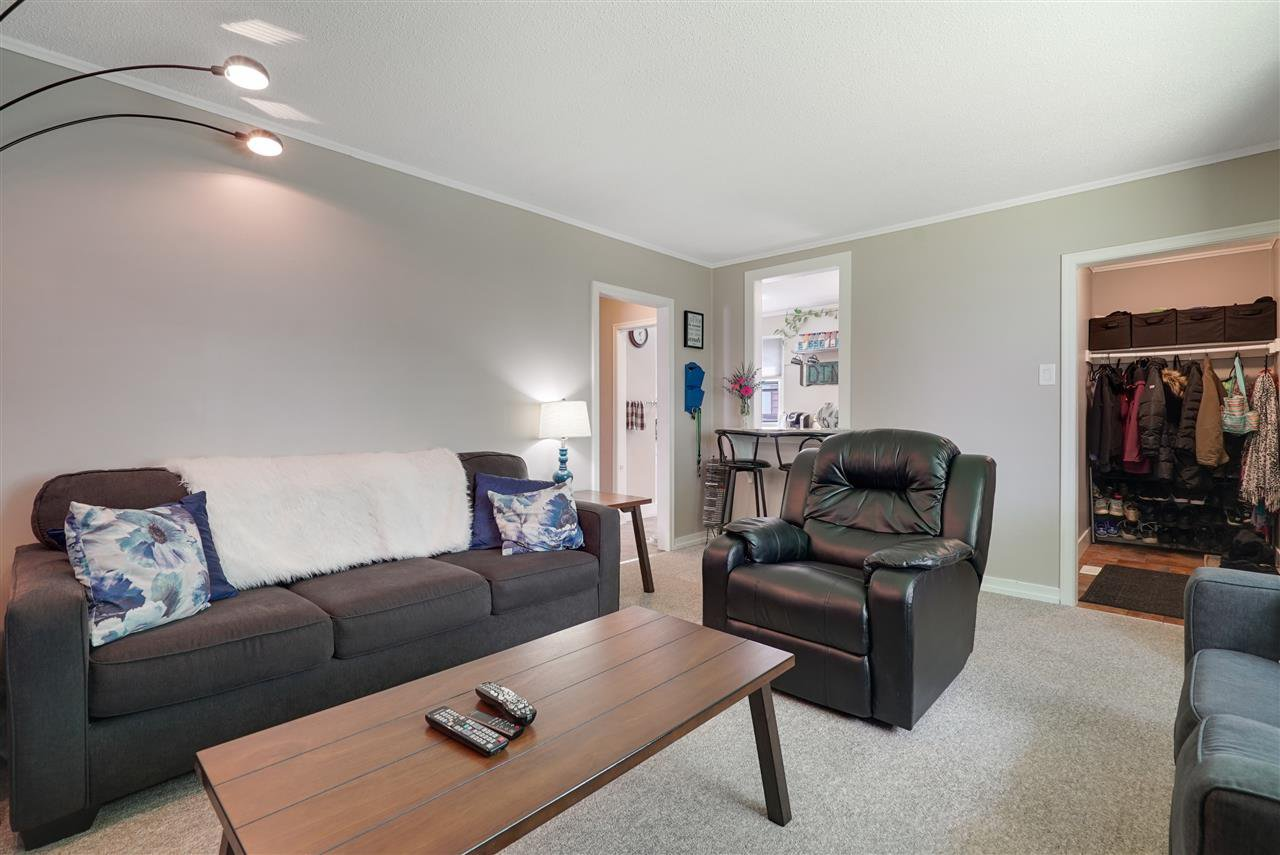 Photo 9: Photos: 12143 60 Street in Edmonton: Zone 06 House for sale : MLS®# E4164276