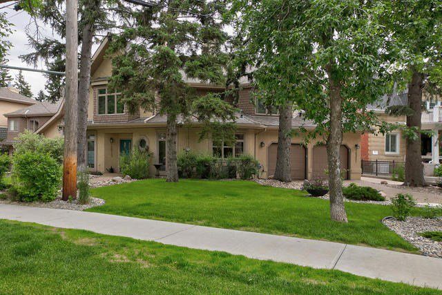 Main Photo: 10351 VILLA Avenue in Edmonton: Zone 07 Townhouse for sale : MLS®# E4164386