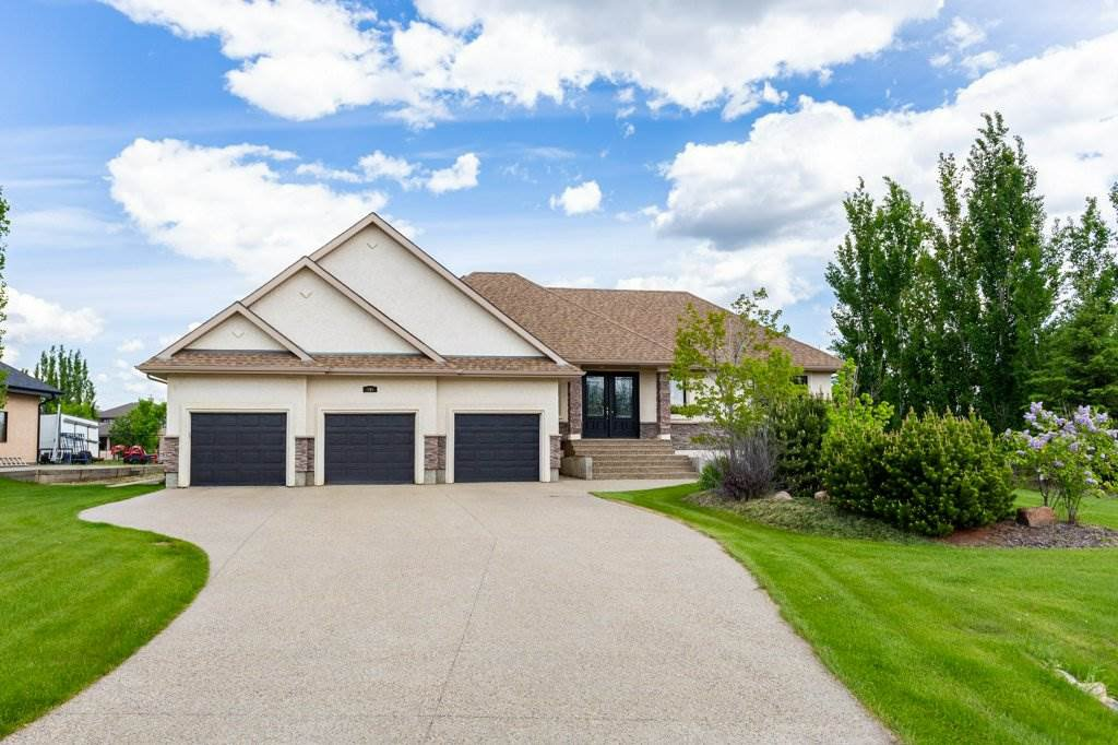 Main Photo: 240 ESTATE WAY Crescent: Rural Sturgeon County House for sale : MLS®# E4205653