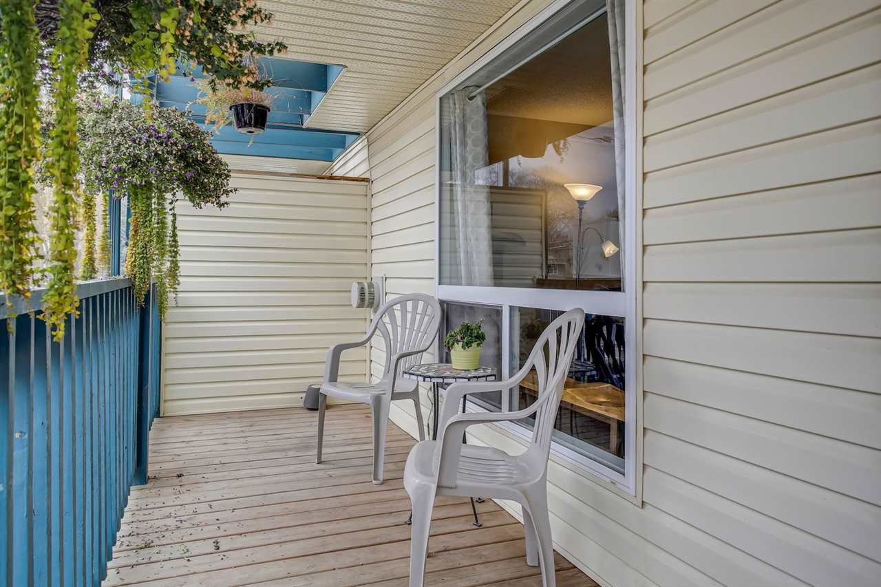 Main Photo: 10516 108 Avenue NW in Edmonton: Zone 08 House Half Duplex for sale : MLS®# E4219119