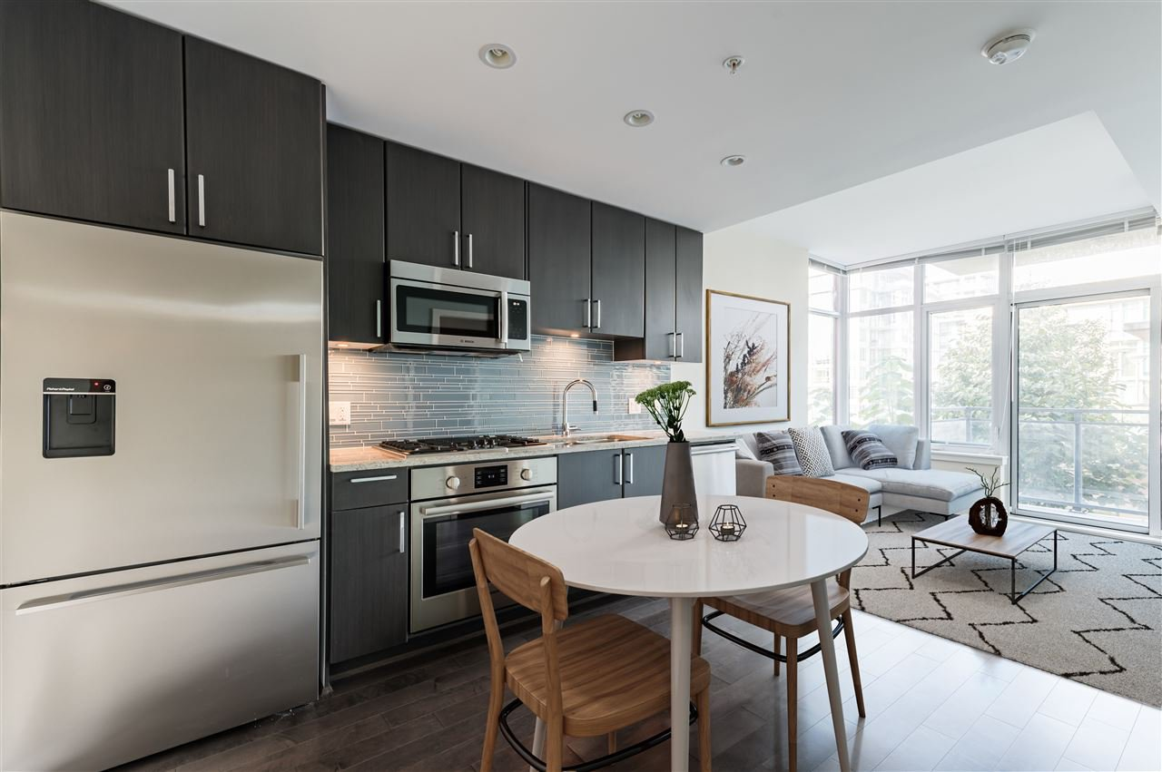 "Main Photo: 807 38 W 1ST Avenue in Vancouver: False Creek Condo for sale in ""THE ONE"" (Vancouver West)  : MLS®# R2525858"