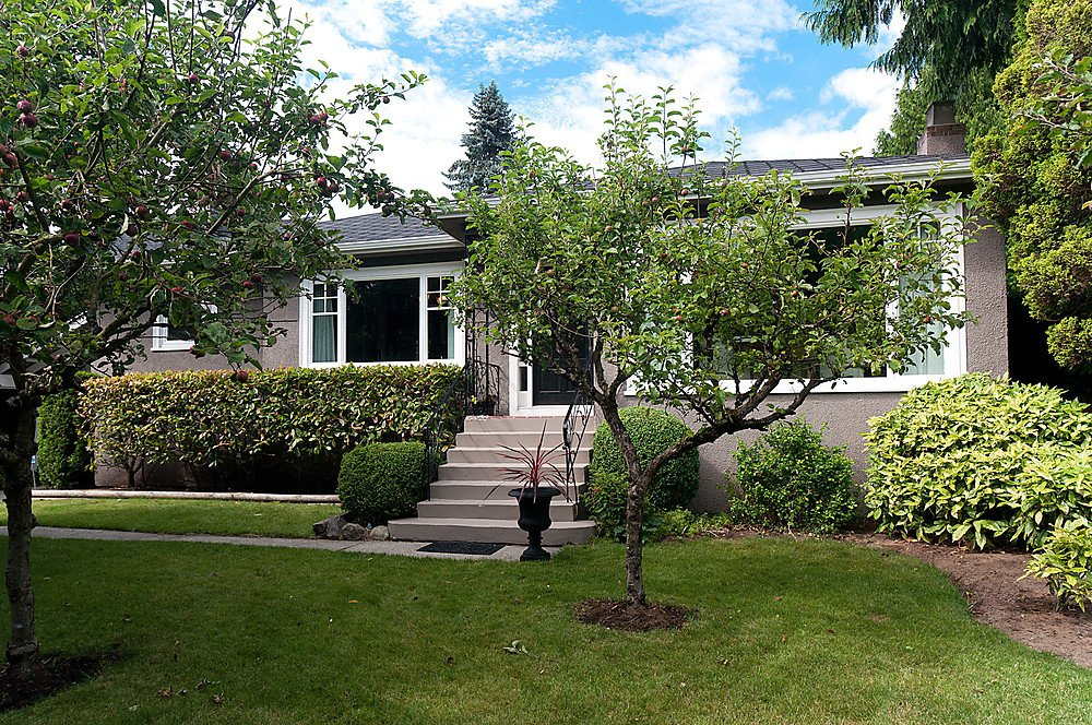 """Main Photo: 3867 SW MARINE Drive in Vancouver: Southlands House for sale in """"Southlands"""" (Vancouver West)  : MLS®# V901909"""