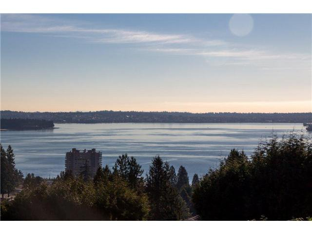 Photo 3: Photos: 2530 PALMERSTON AV in West Vancouver: Dundarave House for sale : MLS®# V994282