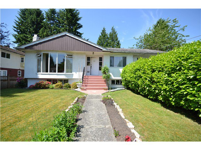 Main Photo: 652 LINTON Street in Coquitlam: Central Coquitlam House for sale : MLS®# V1126038