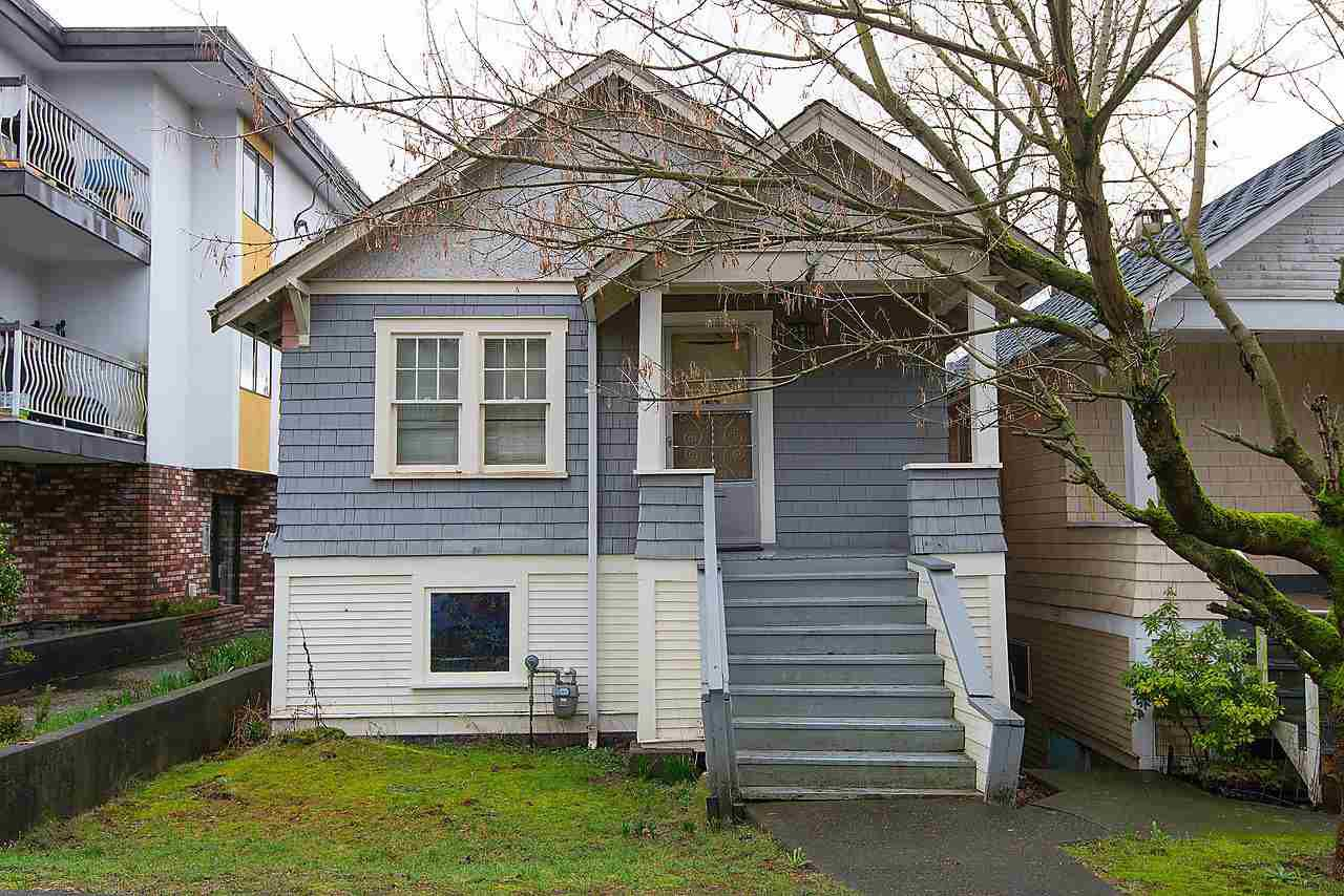 "Main Photo: 1546 E 3RD Avenue in Vancouver: Grandview VE House for sale in ""COMMERCIAL DRIVE"" (Vancouver East)  : MLS®# R2037642"