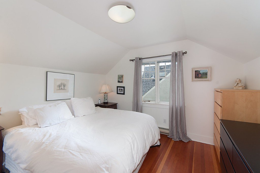 Photo 19: Photos: 4068 W 11TH Avenue in Vancouver: Point Grey House for sale (Vancouver West)  : MLS®# R2063289