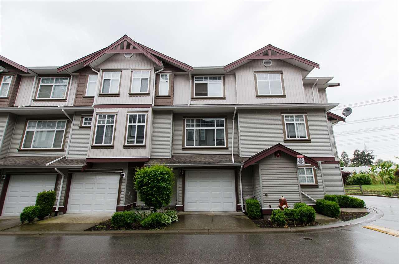 "Main Photo: 34 12585 72 Avenue in Surrey: West Newton Townhouse for sale in ""Kwantlen Village"" : MLS®# R2064258"