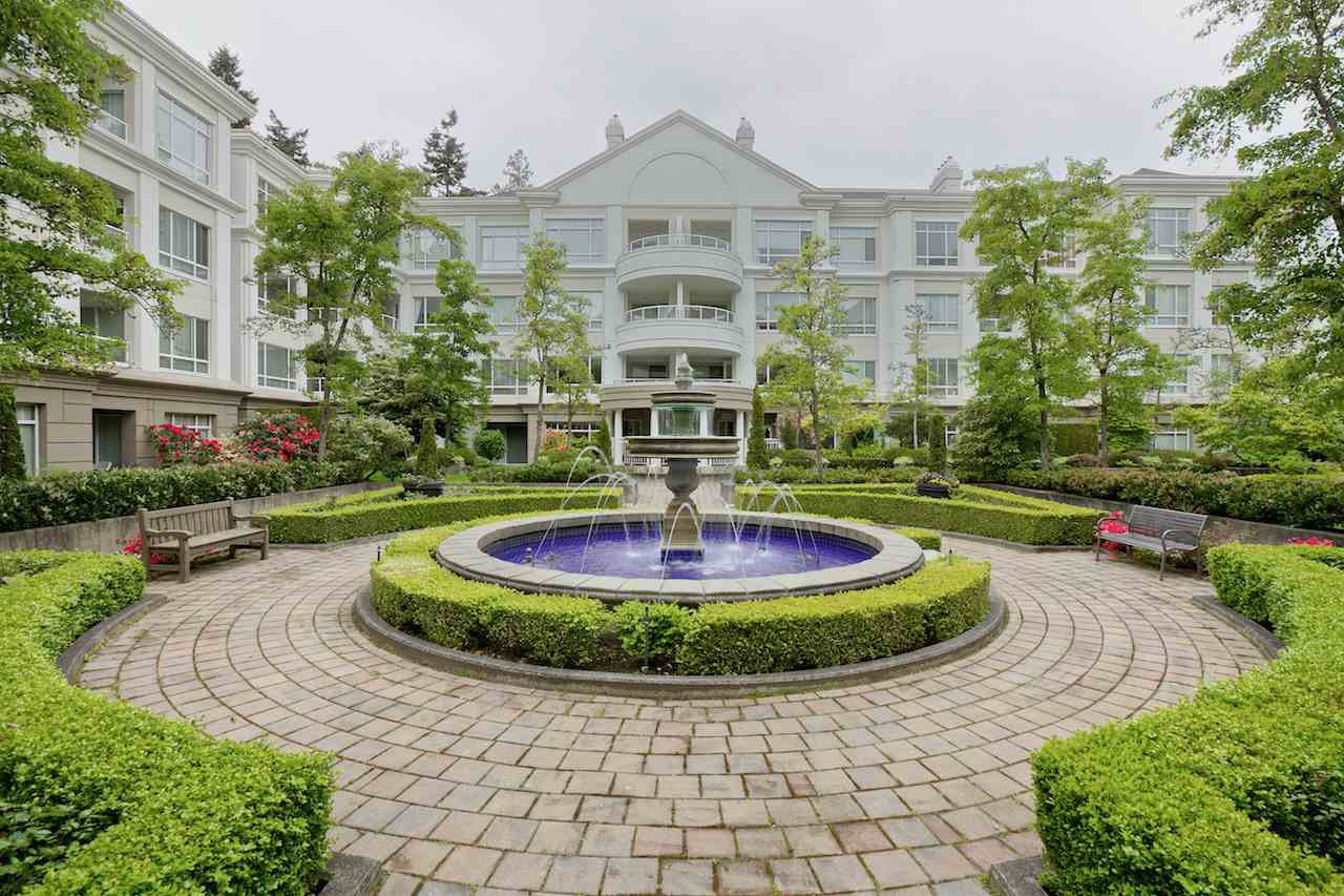"Main Photo: 424 5735 HAMPTON Place in Vancouver: University VW Condo for sale in ""THE BRISTOL"" (Vancouver West)  : MLS®# R2089094"