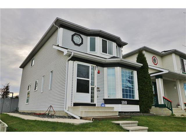 Main Photo: 100 RIVER ROCK Circle SE in Calgary: Riverbend House for sale : MLS®# C4088178