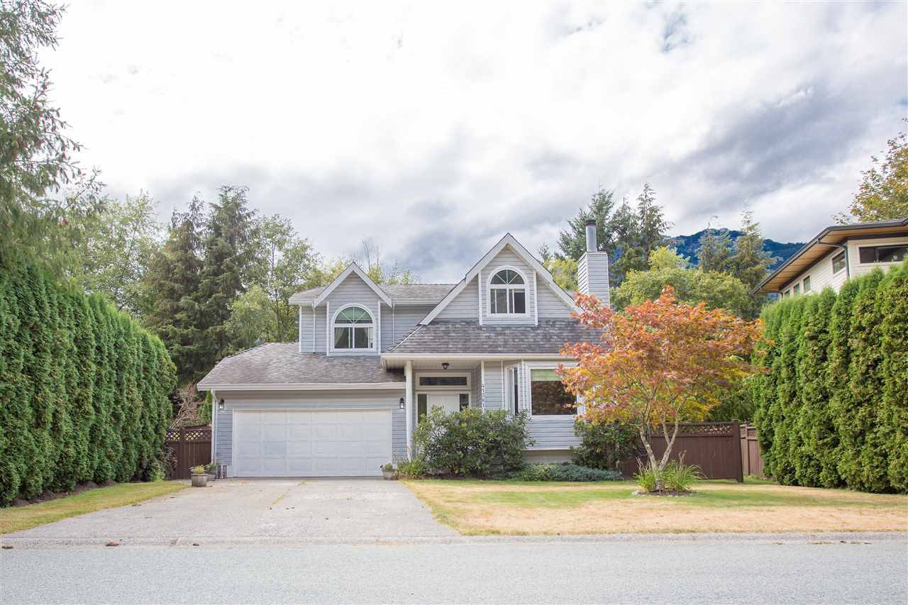 Main Photo: 41361 KINGSWOOD Road in Squamish: Brackendale House for sale : MLS®# R2127876