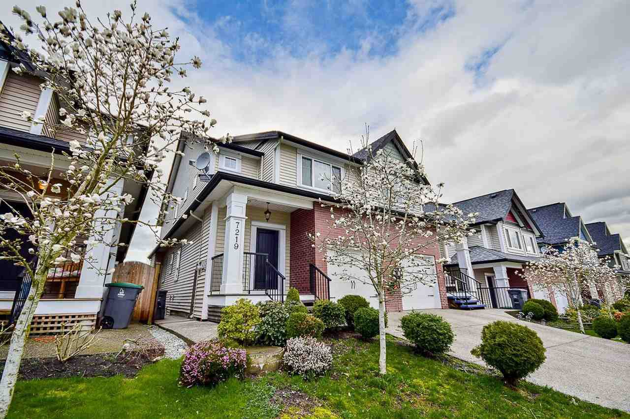 Main Photo: 7219 190 Street in Surrey: Clayton 1/2 Duplex for sale (Cloverdale)  : MLS®# R2154656