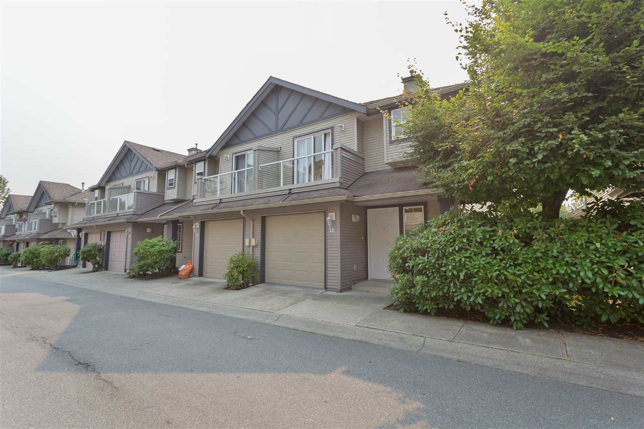 Main Photo: 16 11229 232 STREET in Maple Ridge: East Central Townhouse for sale : MLS®# R2204804