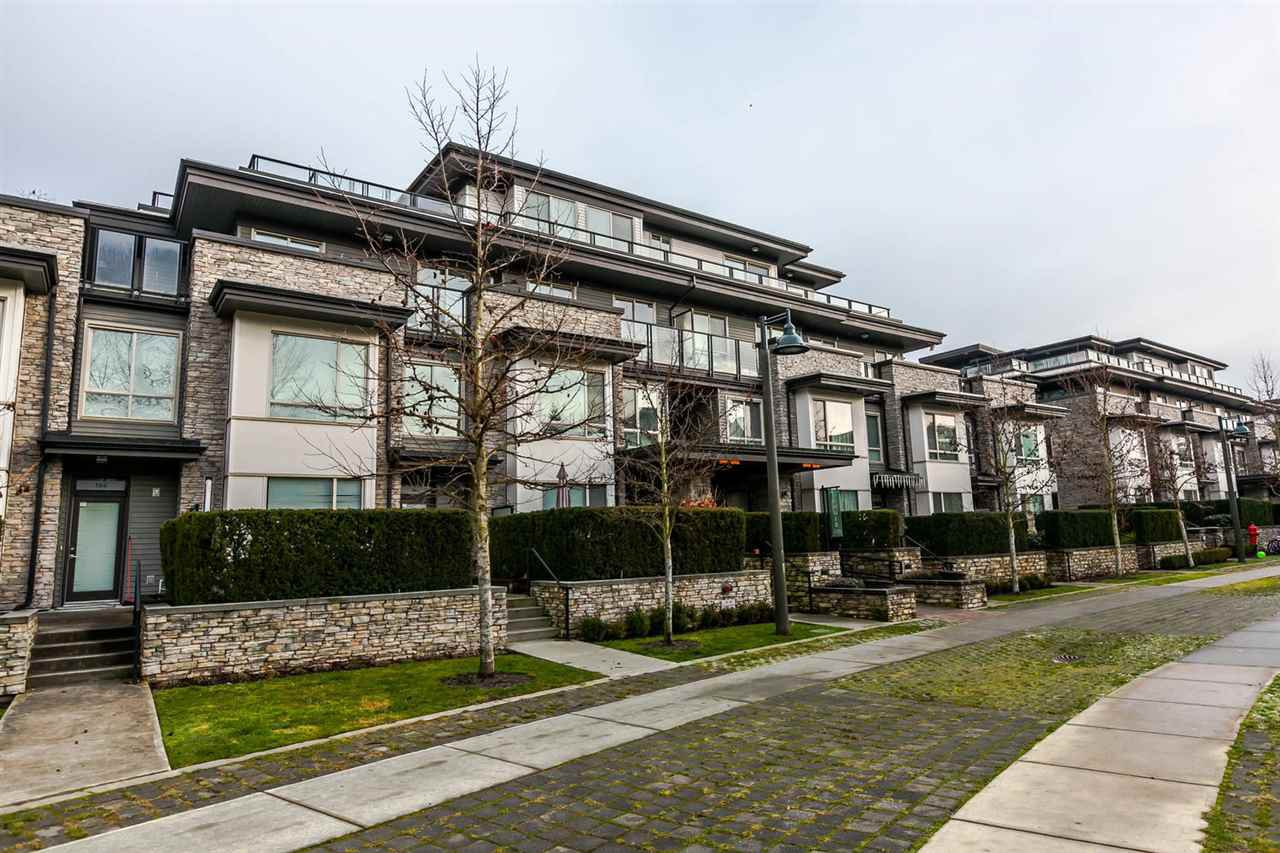 "Main Photo: 416 7418 BYRNEPARK Walk in Burnaby: South Slope Condo for sale in ""GREEN"" (Burnaby South)  : MLS®# R2229832"