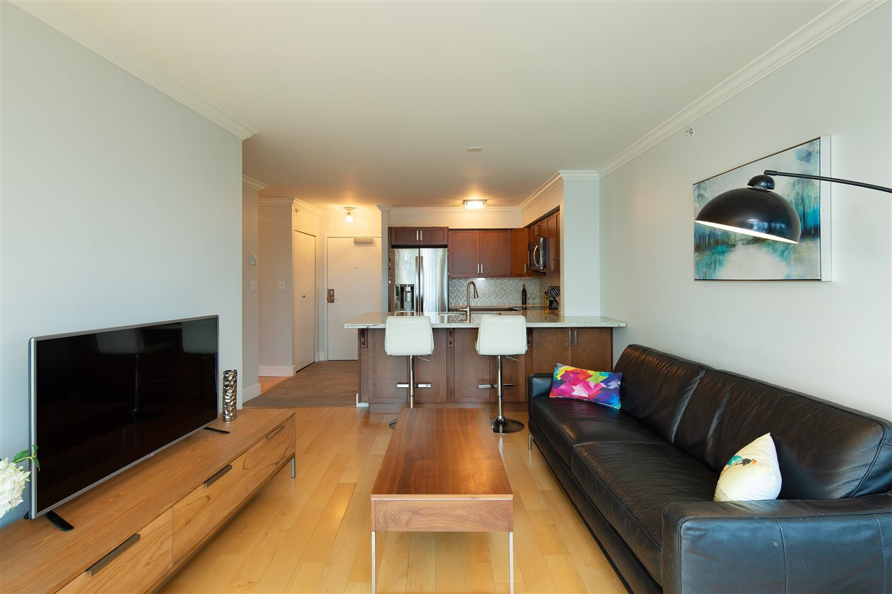 """Main Photo: 518 6028 WILLINGDON Avenue in Burnaby: Metrotown Condo for sale in """"CRYSTAL RESIDENCES"""" (Burnaby South)  : MLS®# R2333286"""