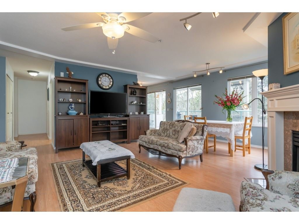 "Photo 12: Photos: 206 20453 53RD Avenue in Langley: Langley City Condo for sale in ""COUNTRY SIDE ESTATES- LMS 1236"" : MLS®# R2359919"