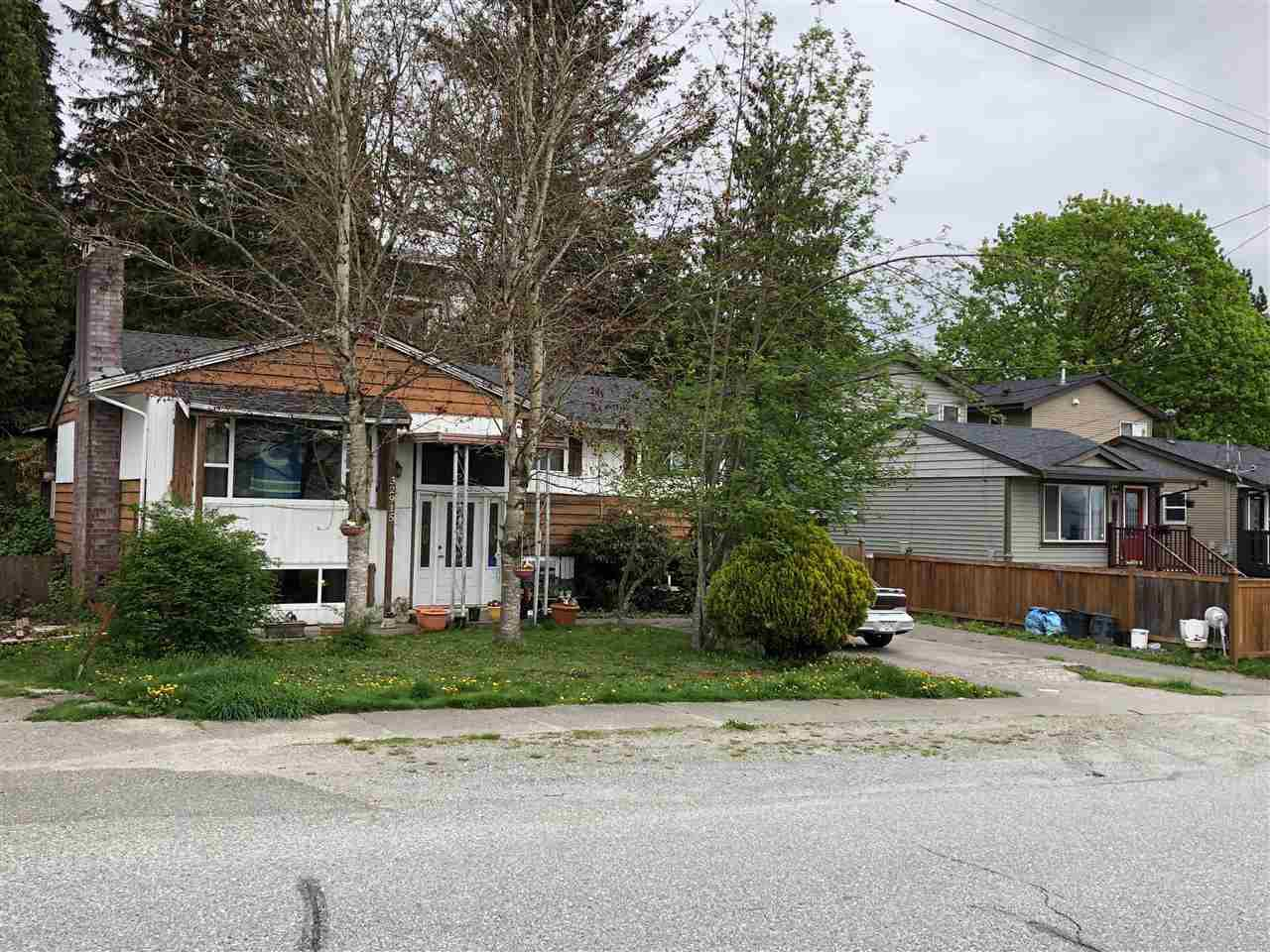 Main Photo: 32915 3RD Avenue in Mission: Mission BC House for sale : MLS®# R2360578