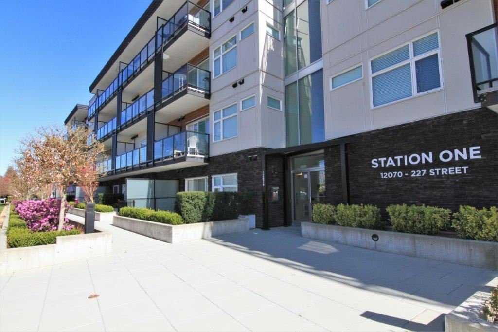 "Main Photo: 418 12070 227 Street in Maple Ridge: East Central Condo for sale in ""STATION ONE"" : MLS®# R2364087"