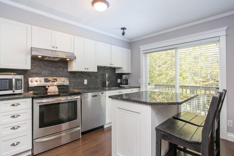 "Photo 6: Photos: 85 15233 34 Avenue in Surrey: Morgan Creek Townhouse for sale in ""SUNDANCE"" (South Surrey White Rock)  : MLS®# R2367568"
