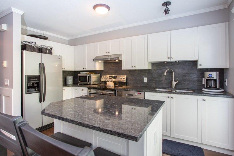 "Photo 5: Photos: 85 15233 34 Avenue in Surrey: Morgan Creek Townhouse for sale in ""SUNDANCE"" (South Surrey White Rock)  : MLS®# R2367568"