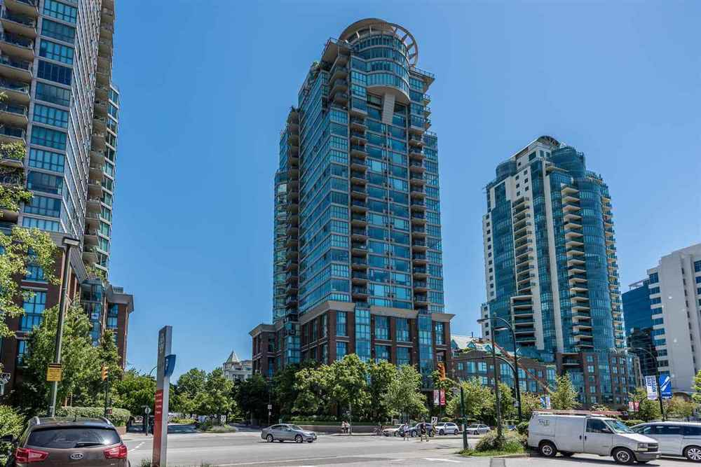 Main Photo: 2105 1128 QUEBEC STREET in Vancouver East: Home for sale : MLS®# R2215905