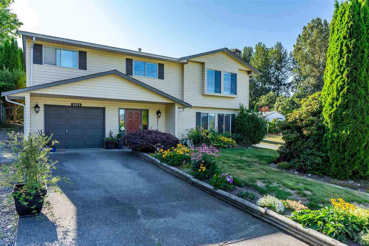 Main Photo: 3271 HORN Street in Abbotsford: Central Abbotsford House for sale : MLS®# R2393394