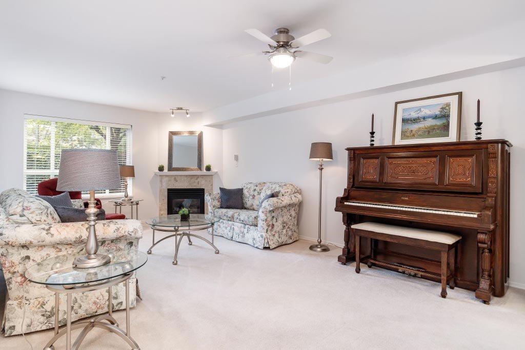 """Photo 8: Photos: 110 15885 84 Avenue in Surrey: Fleetwood Tynehead Condo for sale in """"Abbey Road"""" : MLS®# R2408007"""