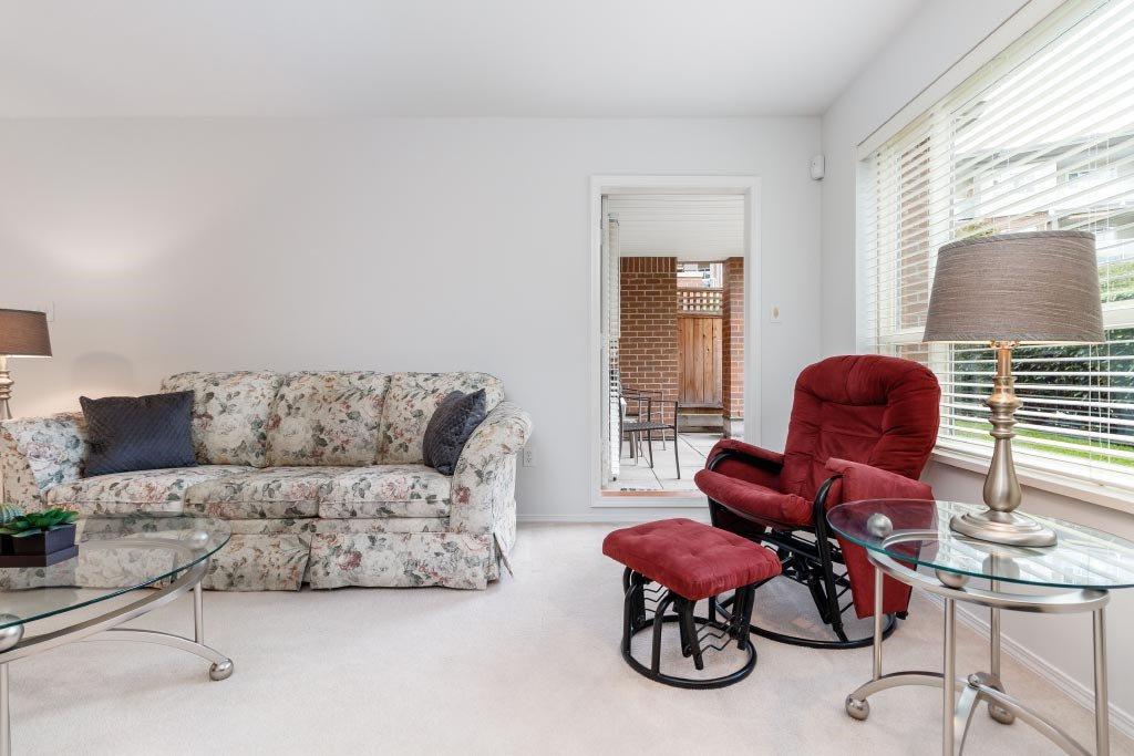 """Photo 11: Photos: 110 15885 84 Avenue in Surrey: Fleetwood Tynehead Condo for sale in """"Abbey Road"""" : MLS®# R2408007"""