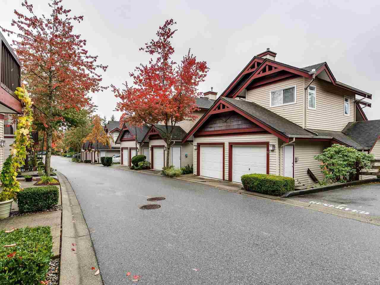 """Main Photo: 23 15 FOREST PARK Way in Port Moody: Heritage Woods PM Townhouse for sale in """"DISCOVERY RIDGE"""" : MLS®# R2411908"""