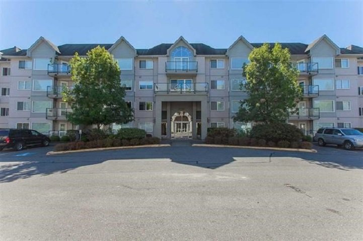 """Main Photo: 110 33668 KING Road in Abbotsford: Poplar Condo for sale in """"College Park"""" : MLS®# R2451176"""