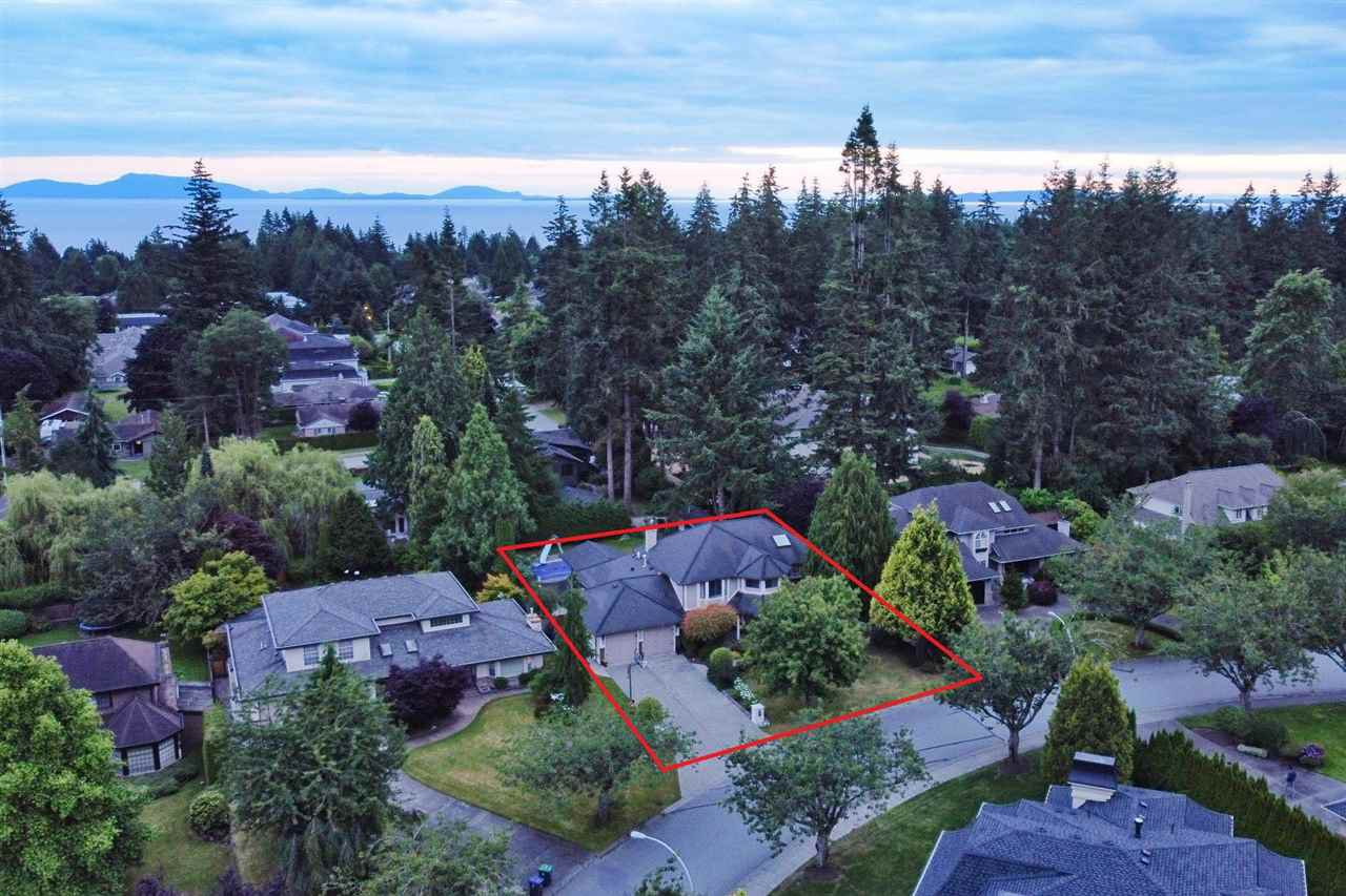 "Main Photo: 13910 18A Avenue in Surrey: Sunnyside Park Surrey House for sale in ""BELL PARK"" (South Surrey White Rock)  : MLS®# R2473367"