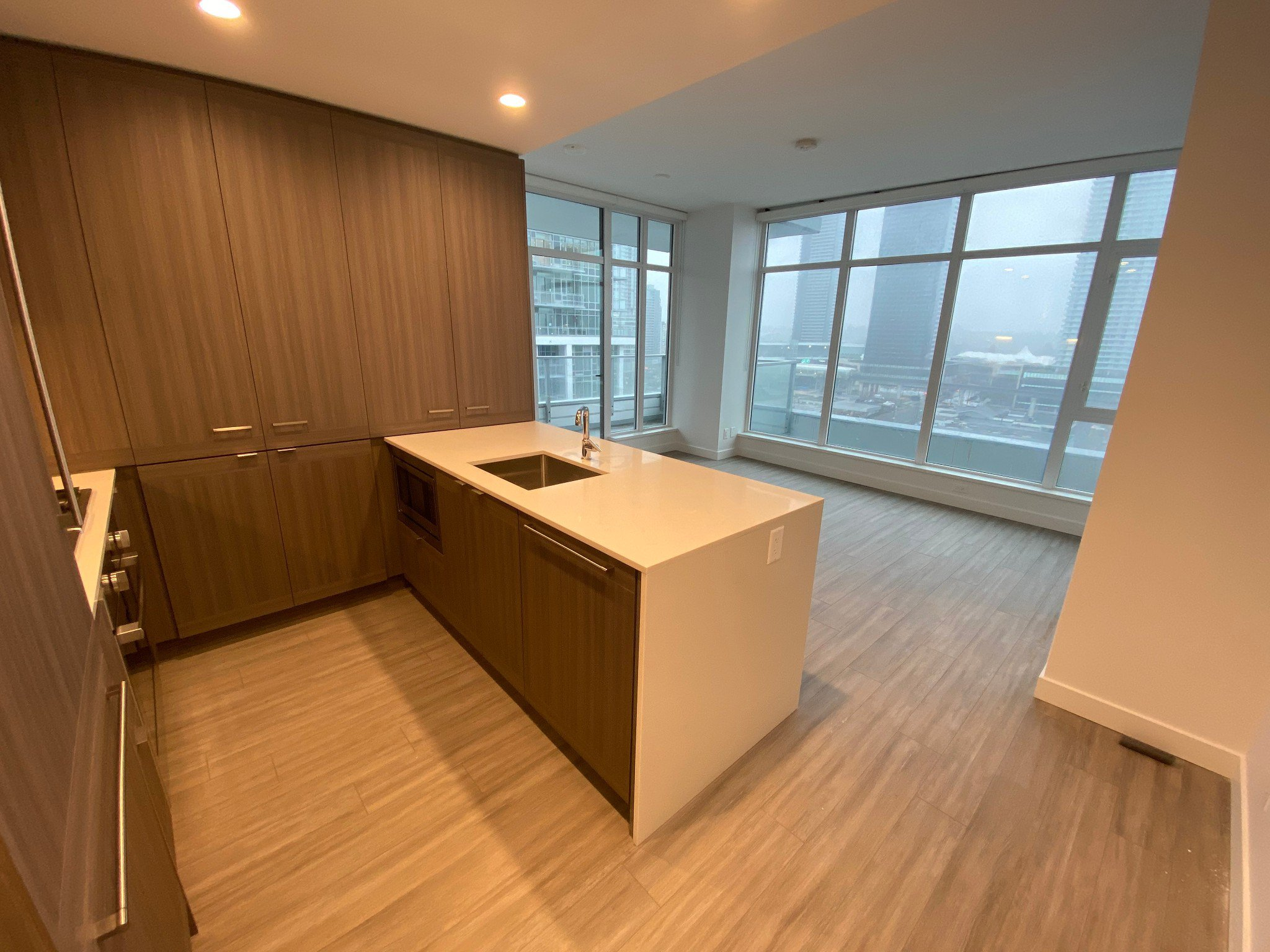 Main Photo: 2207 2311 Beta Avenue in Burnaby: Condo for rent (Burnaby North)