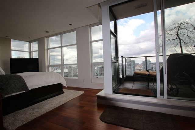 Main Photo: 2602 1055 Homer Street in Vancouver: Condo for sale