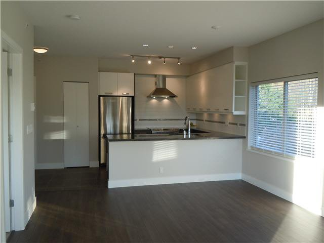 """Photo 20: Photos: 405 1273 MARINE Drive in North Vancouver: Norgate Condo for sale in """"The Ivy at Marine"""" : MLS®# V1094199"""