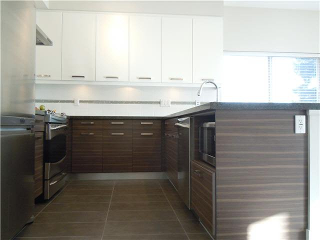 """Photo 19: Photos: 405 1273 MARINE Drive in North Vancouver: Norgate Condo for sale in """"The Ivy at Marine"""" : MLS®# V1094199"""