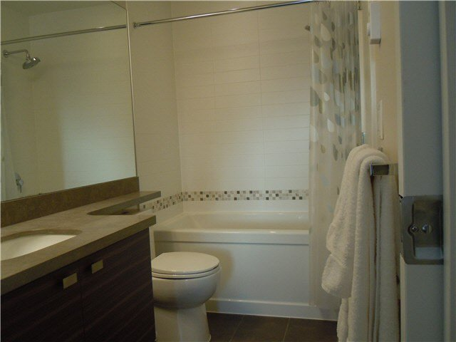 """Photo 10: Photos: 405 1273 MARINE Drive in North Vancouver: Norgate Condo for sale in """"The Ivy at Marine"""" : MLS®# V1094199"""