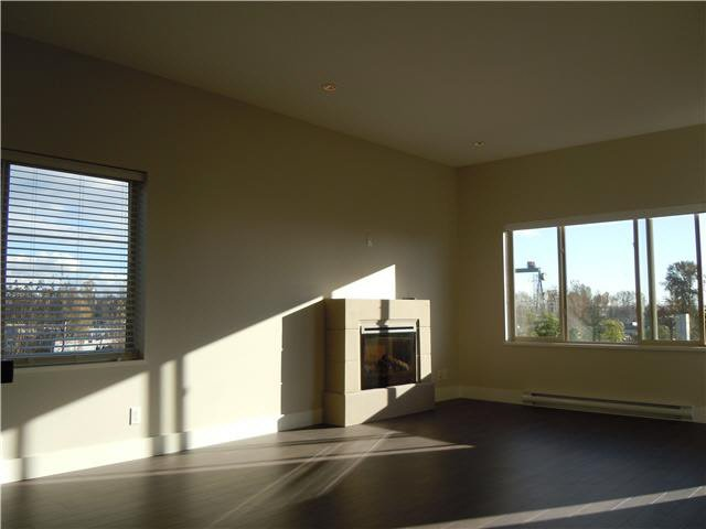 """Photo 6: Photos: 405 1273 MARINE Drive in North Vancouver: Norgate Condo for sale in """"The Ivy at Marine"""" : MLS®# V1094199"""