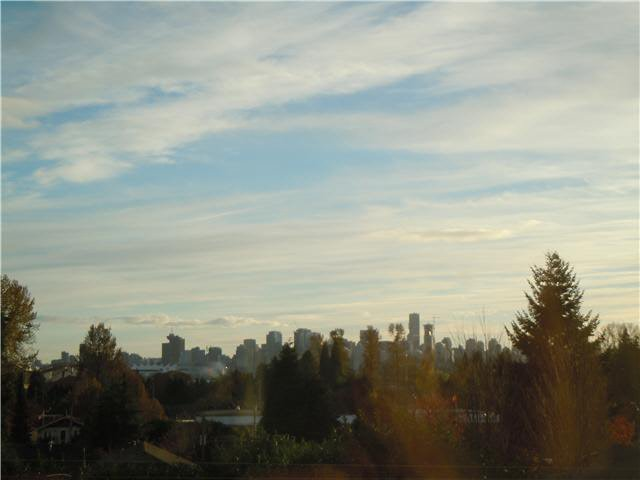 """Photo 7: Photos: 405 1273 MARINE Drive in North Vancouver: Norgate Condo for sale in """"The Ivy at Marine"""" : MLS®# V1094199"""