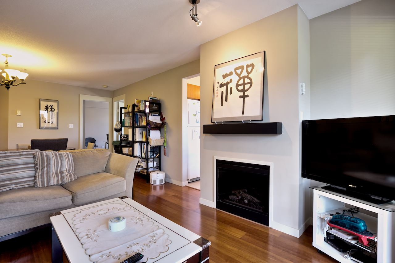 "Photo 3: Photos: 220 8060 JONES Road in Richmond: Brighouse South Condo for sale in ""ZENIA GARDEN"" : MLS®# R2041637"