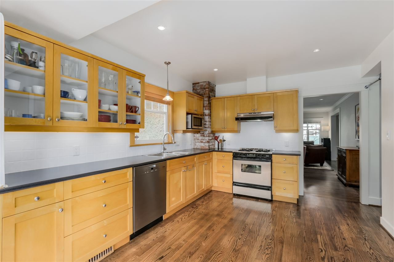 Photo 8: Photos: 462 W 19TH Avenue in Vancouver: Cambie House for sale (Vancouver West)  : MLS®# R2077473