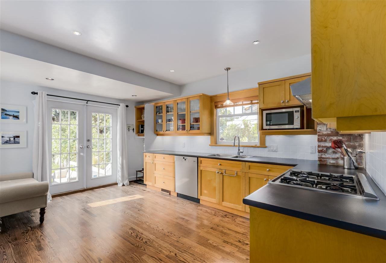 Photo 9: Photos: 462 W 19TH Avenue in Vancouver: Cambie House for sale (Vancouver West)  : MLS®# R2077473