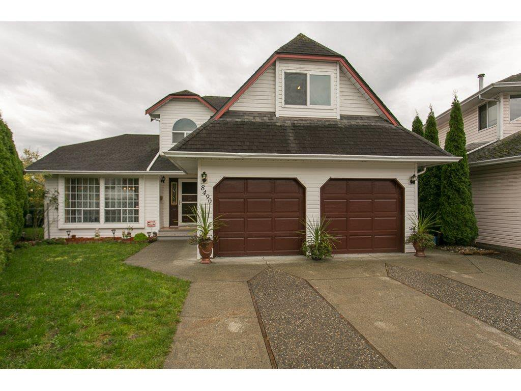 Main Photo: 8490 BOEING Place in Chilliwack: Chilliwack E Young-Yale House for sale : MLS®# R2120298