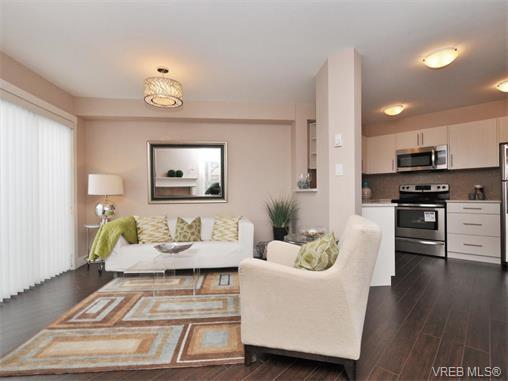Main Photo: 101 7843 East Saanich Rd in SAANICHTON: CS Saanichton Condo for sale (Central Saanich)  : MLS®# 753251