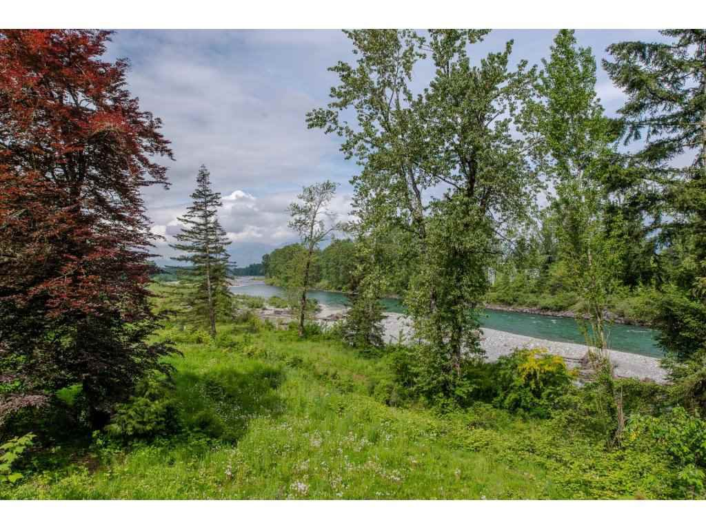 Main Photo: 45405 VEDDER MOUNTAIN Road: Cultus Lake House for sale : MLS®# R2168425