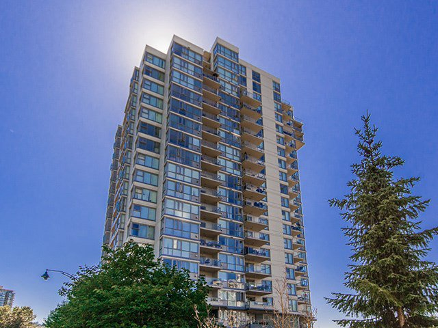 Main Photo: 702 235 GUILDFORD WAY in Port Moody: North Shore Pt Moody Condo for sale : MLS®# R2179963