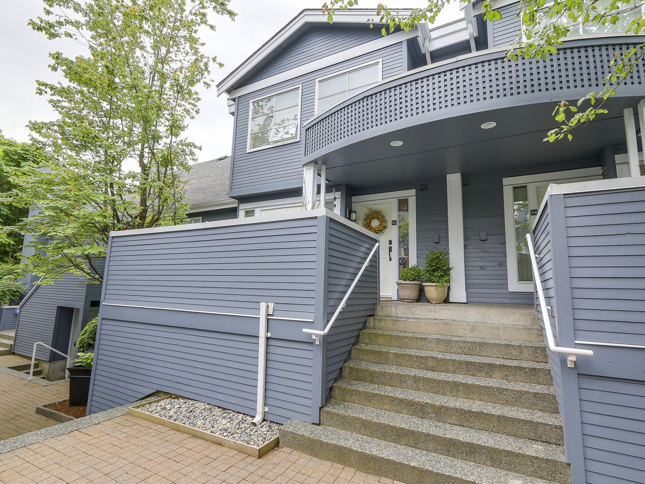 Main Photo: A3 240 W 16th Street in North Vancouver: Central Lonsdale Townhouse  : MLS®# R2178079