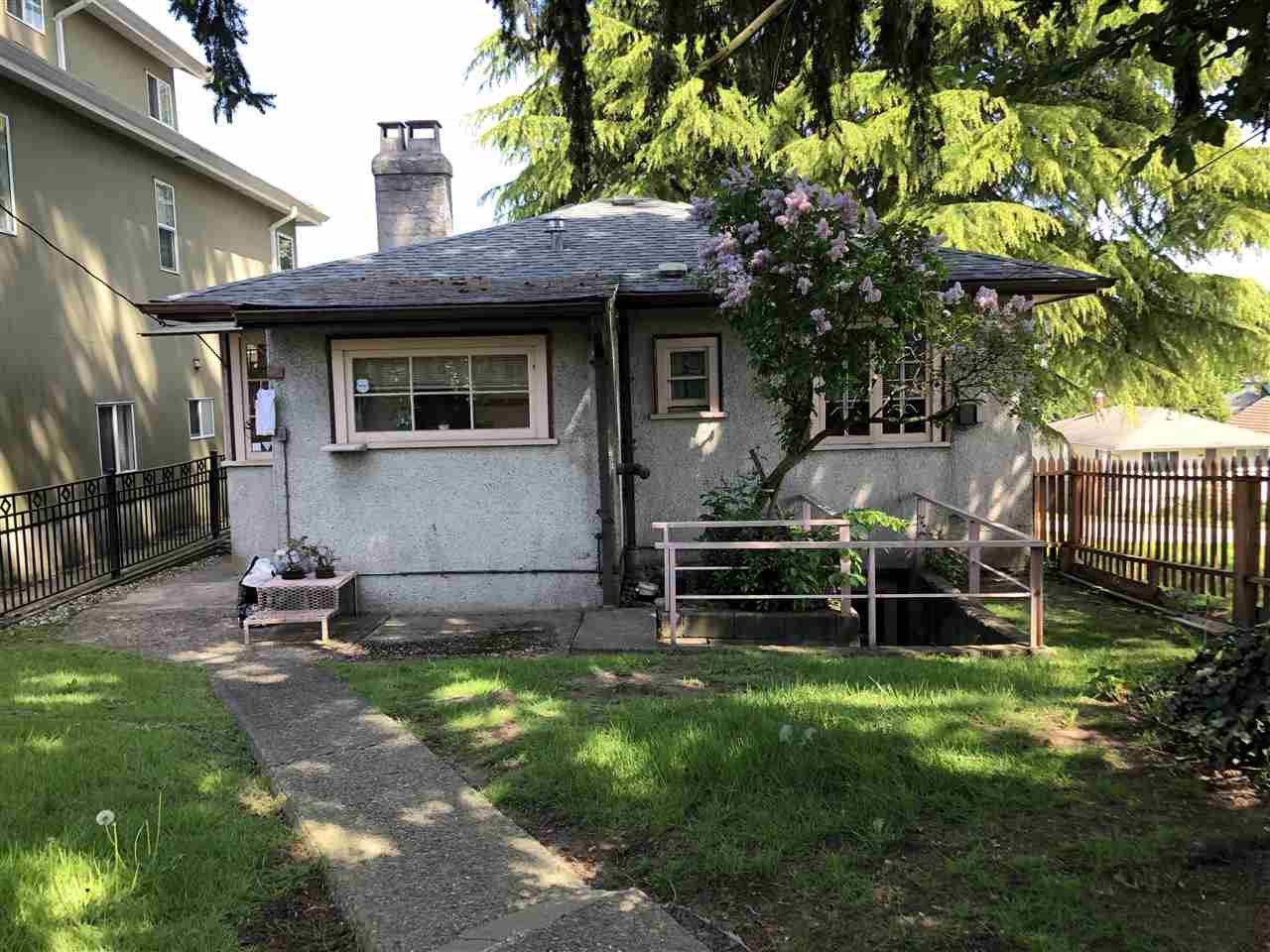 Photo 12: Photos: 2496 E 27TH Avenue in Vancouver: Collingwood VE House for sale (Vancouver East)  : MLS®# R2270492