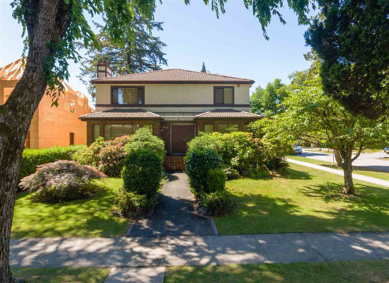"""Photo 3: Photos: 4209 OSLER Street in Vancouver: Shaughnessy House for sale in """"SECOND SHAUGHNESSY"""" (Vancouver West)  : MLS®# R2285076"""