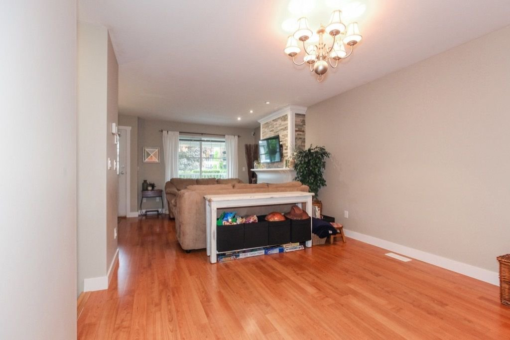 Photo 6: Photos: 46 6568 193B Street in Surrey: Clayton Townhouse for sale (Cloverdale)  : MLS®# R2305531